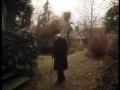 Piaget devant l'entrée de sa maison, 1979, Archives RTS