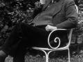Jean Piaget dans son jardin, Photo: Yves Meylan